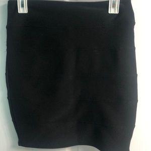 Guess Black Ribbed Skirt Size Medium
